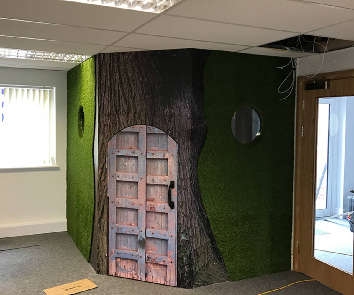 Brands Solutions Hobbit Room - Printed Wall Graphics